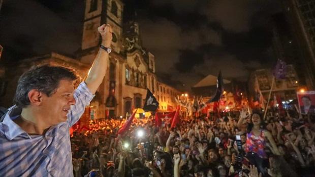 Lula orienta Haddad a se apresentar como como pré-candidato à Presidência da República