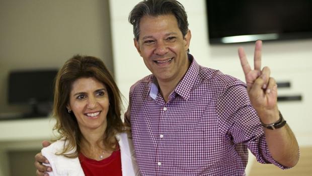 Haddad vota em São Paulo e diz que segundo turno fará bem ao país