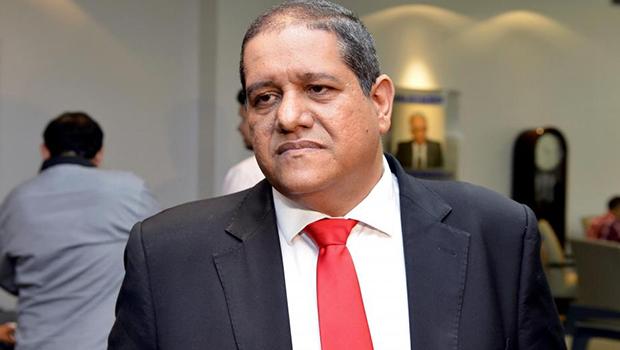 'Só se ele não quiser', diz presidente da Comissão de Finanças sobre Pastor Jeferson ser relator da LOA