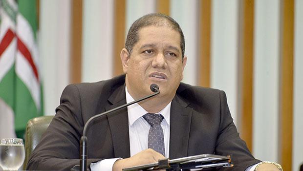 """""""Que apresentassem uma reprovação e não só ressalvas"""", diz deputado sobre contas de 2017 do Estado"""