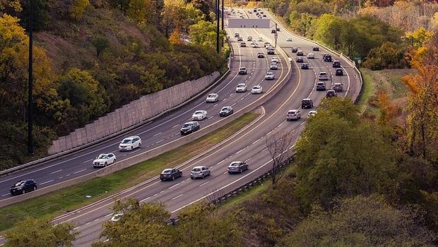 Mais de 10 rodovias de Goiás terão restrição de veículos no feriado