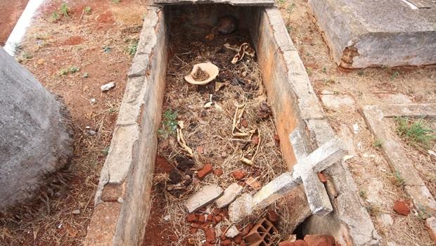 Vereadora quer que cemitérios sejam administrados por parceria público-privada