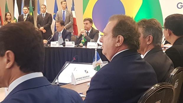 Presidente eleito faz reunião com governadores eleitos. Carlesse participa