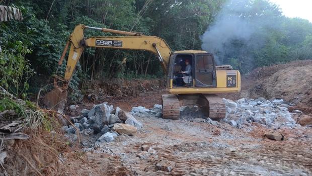 Aparecida inicia recuperação de erosão no Setor Mont Serrat