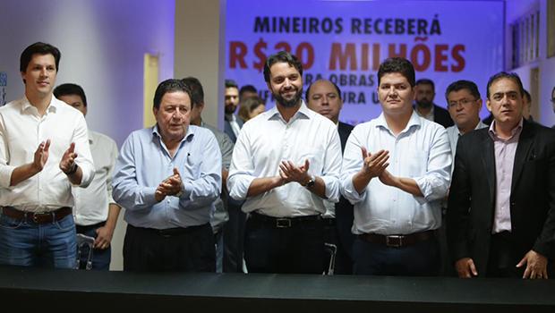 Ao lado de Heuler e Daniel, Baldy entrega mais de R$ 190 mi para investimentos em Goiás