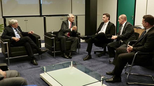 Ronaldo Caiado se encontra pela segunda vez com Bolsonaro em Brasília