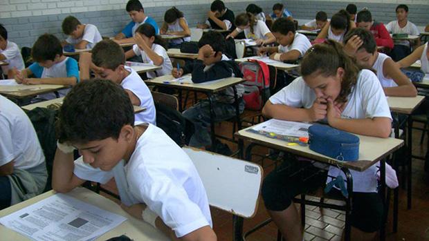 Demanda por aulas presenciais para educação infantil está acima da capacidade em Goiânia