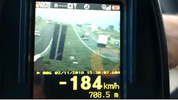 PRF flagra veículo a mais de 180 km/h na BR-050, entre Catalão e Campo Alegre