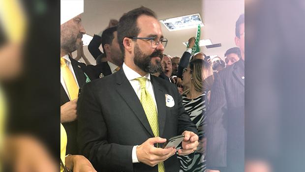 Lúcio Flávio é reeleito presidente da OAB de Goiás