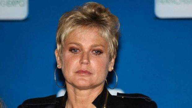 Xuxa é impedida de voltar para casa porque jatinho contratado por evento era clandestino