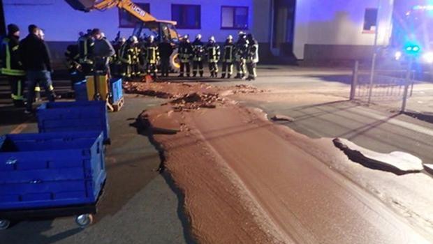 Cerca de uma tonelada de chocolate vaza em fábrica na Alemanha
