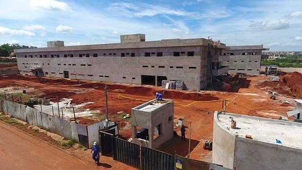 Prefeitura assina contratação de crédito para obras do BRT, Maternidade Oeste e Córrego Cascavel