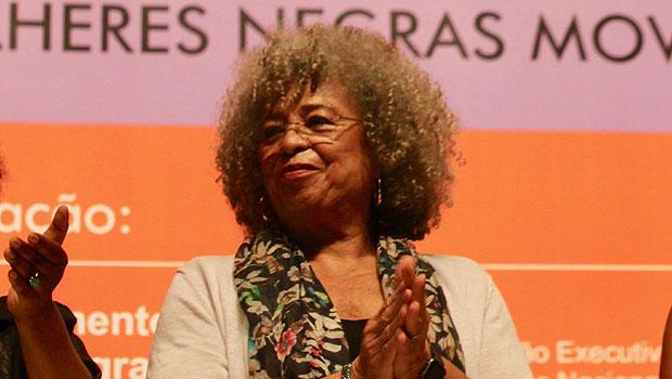 Encontro Nacional de Mulheres Negras: brasileiras de luta, de pé, de fé