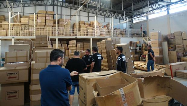 Cerca de 30 mil brinquedos falsificados são apreendidos em loja de Goiânia