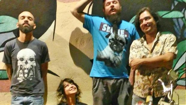 Grace Carvalho e banda levam 'Seleta Coletiva' ao Lowbrow