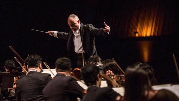 Neil Thomson, o homem à frente da Filarmônica de Goiás