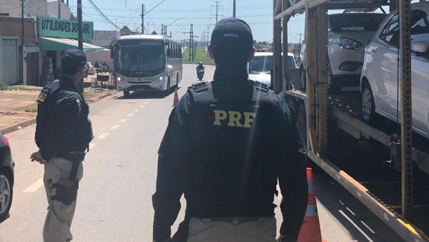 Blitz da PRF registra cerca de uma multa a cada dois minutos no Anel Viário em Aparecida