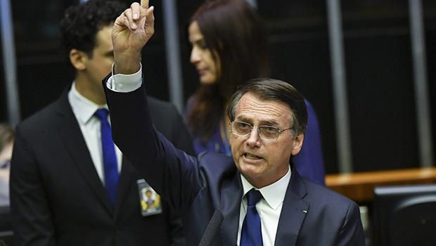 Em discurso de posse, Bolsonaro reforça combate a ideologias em seu governo
