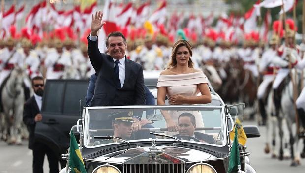 Jair Bolsonaro é empossado presidente do Brasil