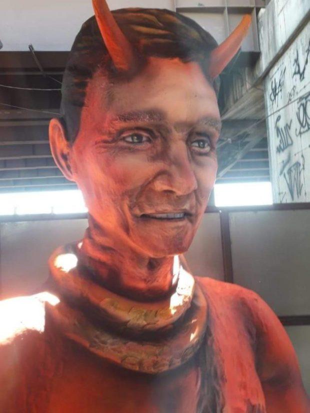edc8a474c7b14 Diabo com as feições do prefeito Crivella  foto causou polêmica nas redes  sociais. Foto  Reprodução
