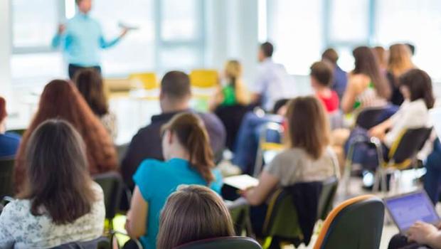 Conferência de capacitação para professores acontece em Goiânia