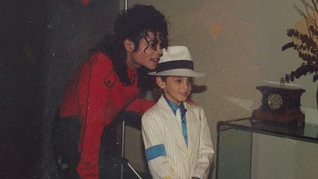 Filme sobre Michael Jackson que chocou Sundance enfurece família do cantor