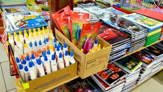 Pesquisa do Procon Goiás aponta que preços do material escolar podem oscilar até 233%