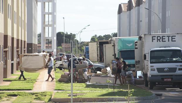 Famílias começam mudança para apartamentos do Residencial Buriti Sereno em Aparecida
