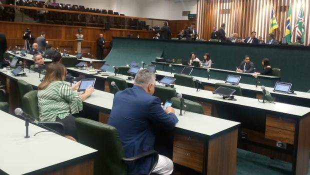 Reforma administrativa é aprovada por deputados