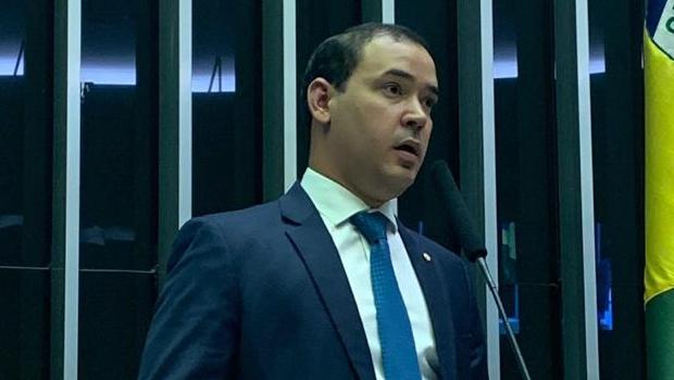 Vicentinho Júnior defende isenção de Imposto de Renda para portadores de lúpus