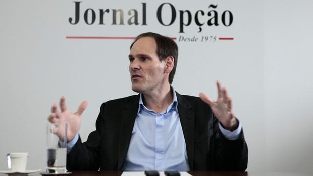 """""""Secretária precisa provar que entende de Economia"""", diz presidente da Alego"""