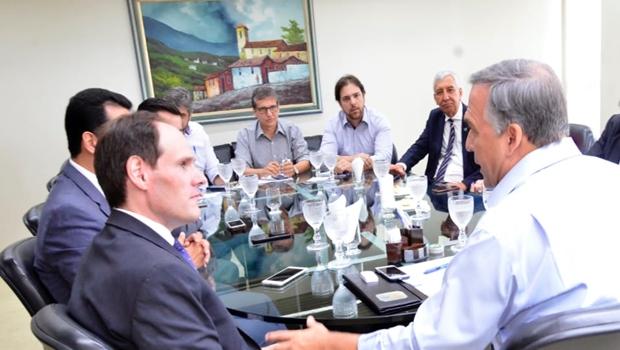 Presidente da Alego viabiliza proximidade com setor empresarial