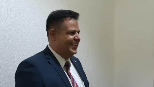 Deputado vai destinar dinheiro do auxílio moradia para entidades filantrópicas