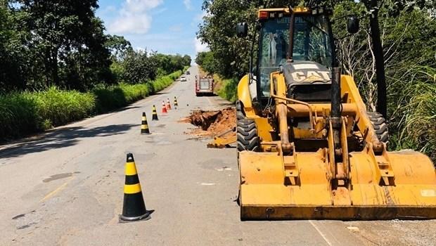 Goinfra e TCE discutem interrupção dos serviços de conservação das estradas