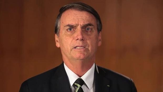 Bolsonaro bate boca com Daniela e Caetano, posta vídeo polêmico e tem post censurado pelo Twitter