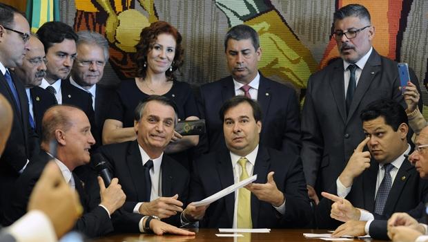 Bolsonaro entrega projeto da reforma da Previdência: veja o texto na íntegra
