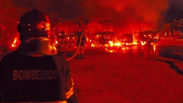 Polícia captura suspeitos de queimarem ônibus escolares Aragarças