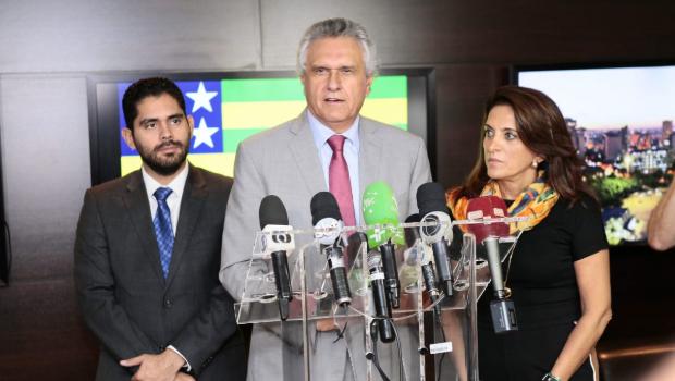 Caiado anuncia fim da taxa de registro para veículos financiados