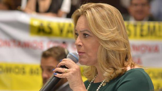 """""""Decisão não é municipalista"""", diz Lêda Borges sobre fim do Goiás na Frente"""