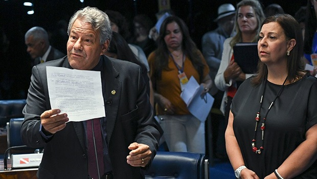 Maduro planeja prender Juan Guaidó e destituir Assembleia Nacional do país, diz embaixadora