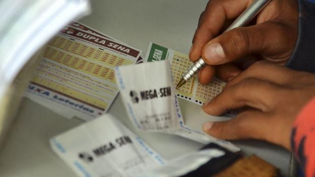 Mega Sena tem prêmio estimado em R$ 3 milhões para o sorteio deste sábado
