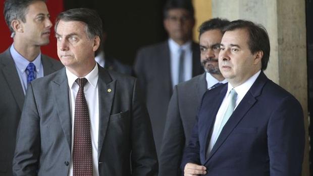 Jair Bolsonaro Rodrigo Maia 3 - Foto Antonio Cruz Agência Brasil editada