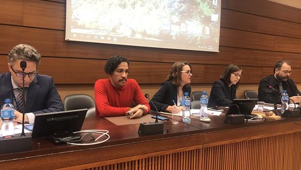 Jean Wyllys e embaixadora do Brasil discutem na ONU