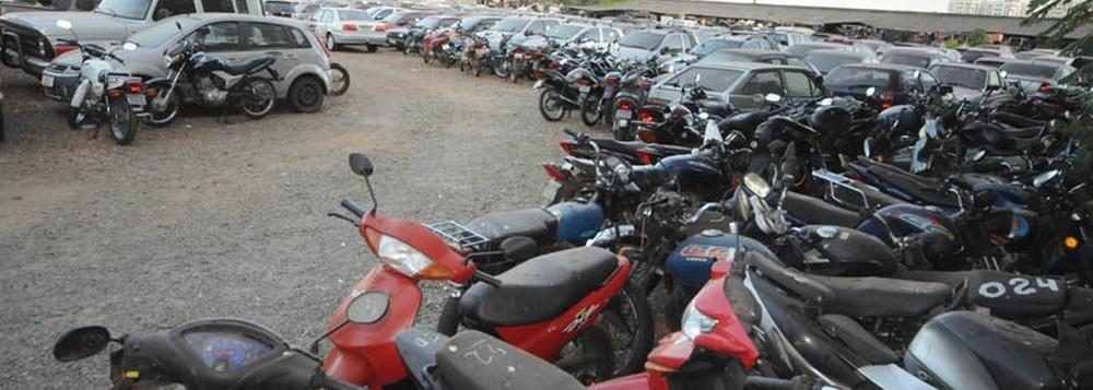 Alguém precisa dar um jeito no roubo de carros em Goiânia