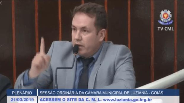 Prefeito de Luziânia pode perder mandato, diz vereador