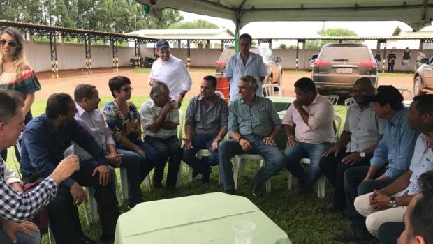 Em Buriti Alto, Caiado busca soluções para demandas de infraestrutura da região