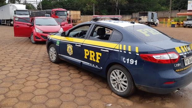 PRF prende motorista de aplicativo que transportava 14kg de drogas