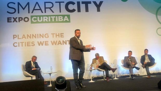 Gustavo Mendanha apresenta Aparecida em congresso internacional