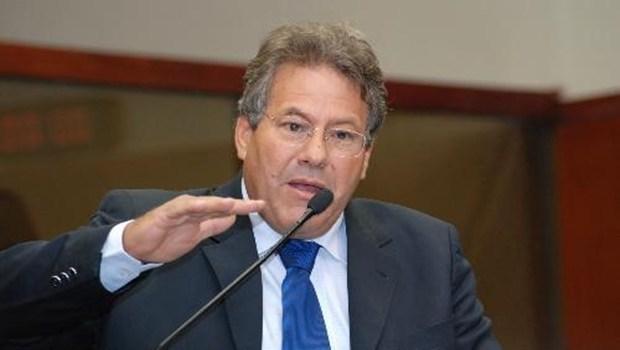 MDB de Goiás vai perder seu único senador para o PSD de Vilmar Rocha e Vanderlan Cardoso