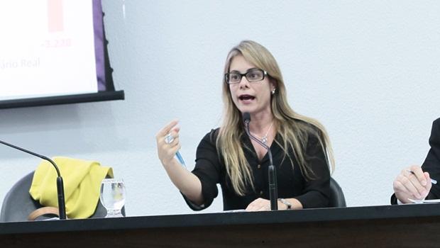 Cristiane Schmidt - Foto Fernando Leite Jornal Opção 144